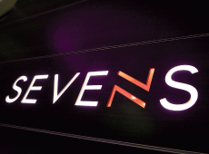 SEVENS Sports Lounge
